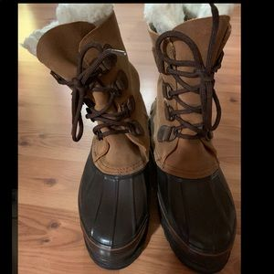 Women's lacrosse winter duck boots